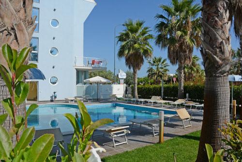 Scorcio piscina Hotel